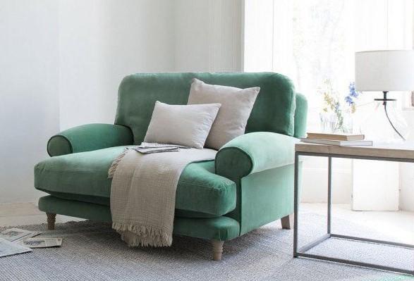 Zielona sofa klasyczna