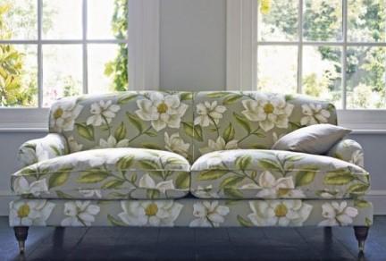sofa nierozkładana w kwiaty